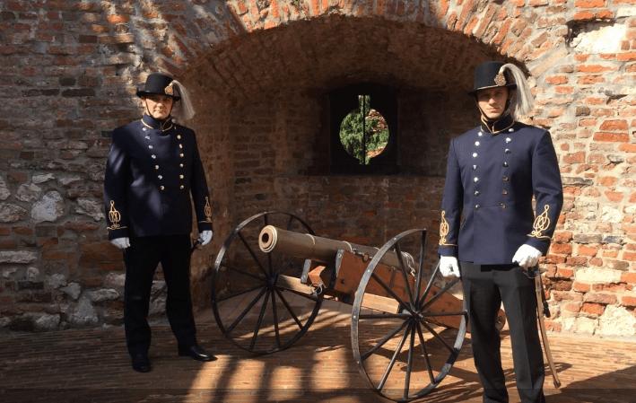 dualista kori rendőrök Siklóson