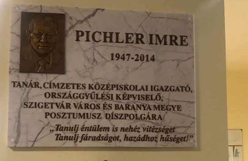Évente fejet hajtanak Pichler Imre emléktáblájánál
